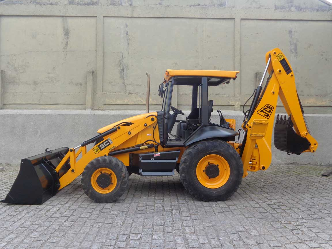 Retroescavadeira_JCB_3C_PLUS